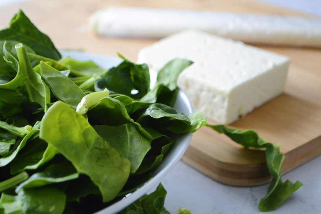 Crujientes de espinaca y queso feta